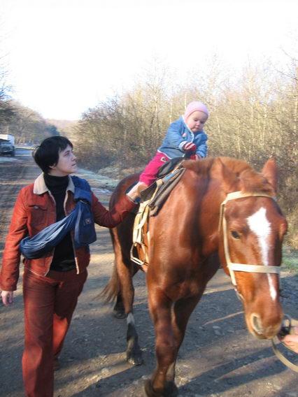 Один день из жизни 11-месячной девочки Саньки